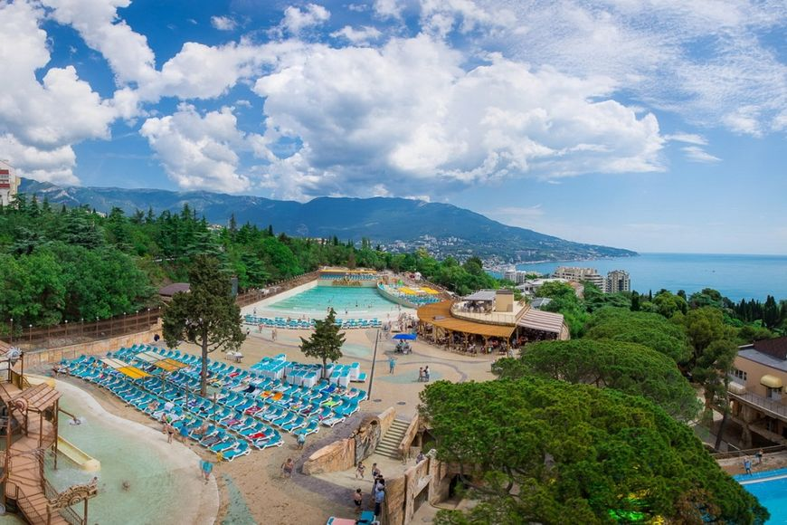 Отель-аквапарк Атлантида